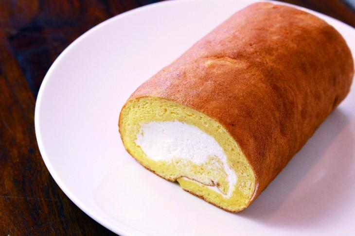 フロマージュクリームロール(1,000円)は、甘さ控えめのさっぱりとしたクリーム。