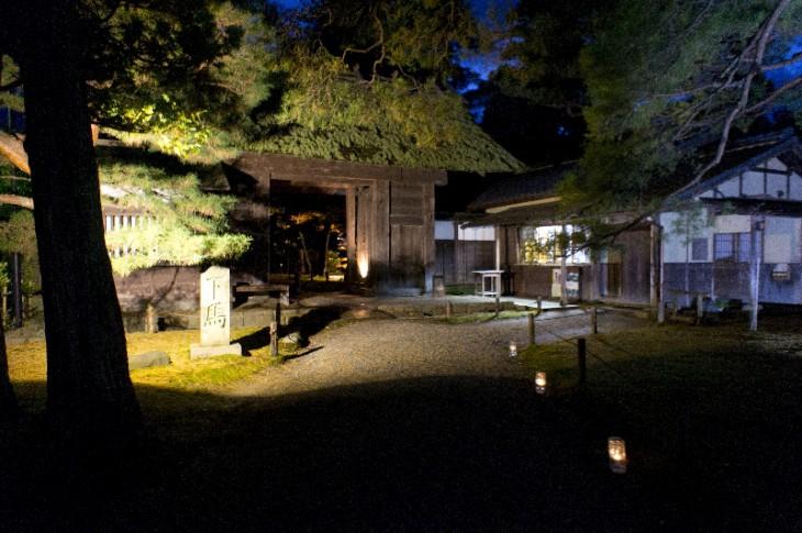 こちらが入口です。普段は体験できない夜の「清水園」というのも楽しみです。