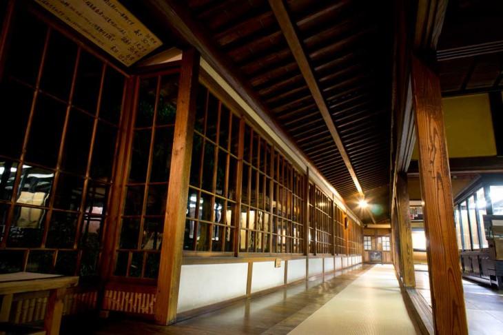 16間半の丸桁がある廊下です。ここの雰囲気が好きですね~。