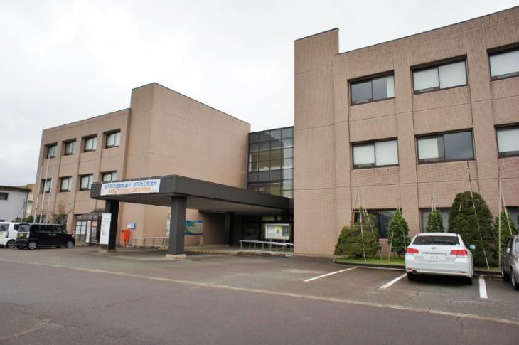こちらが加茂商工会議所がある加茂市産業センターです。