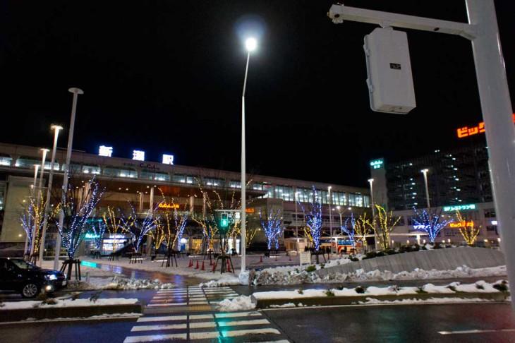 まず新潟駅南の風景です。光のツリーがいっぱいですね~。