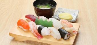 日帰り湯で見つけた逸品グルメ④ 目の前で職人が握るすしを味わえる、新潟市西蒲区「だいろの湯」