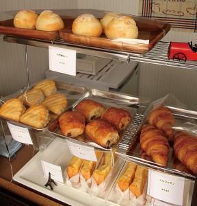 パンは常時13種類ほど用意。