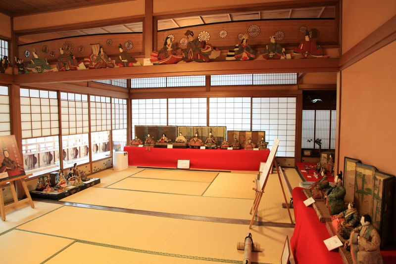 雅な姿に魅せられる。新潟市中央区「旧齋藤家別邸」にて、江戸の貴重なひな人形を公開する「北前船の贈り物 湊にいがた雛人形展」が開催中
