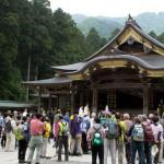 弥彦山がキレイになって、気分もすっきり爽快! 彌彦神社 御遷座百年の奉祝行事「弥彦山清掃登山」に参加してきました。