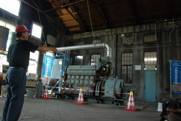 水道タンクと白菊-05