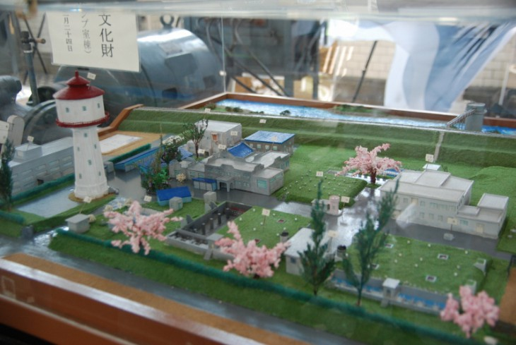 水道タンクと白菊-02