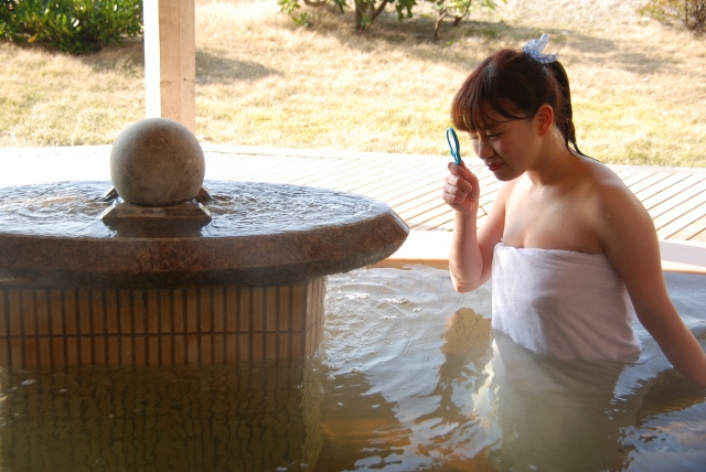 【新潟は温泉天国】まんじゅう岩って、なんだ?