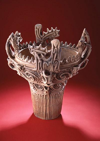「なんだ、コレは!」芸術家・岡本太郎が称え、新潟が誇る「火焔型土器」